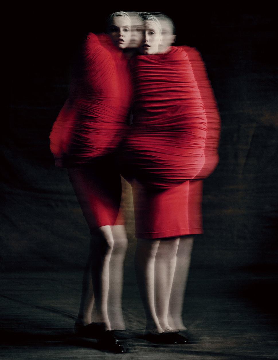 rei-kawakubo-Body-Meets-Dress–Dress-Meets-Body